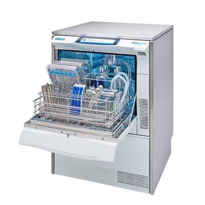 Mycí a dezinfekční automaty se sušením